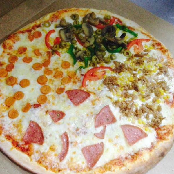 بيتزا الفصول الاربعه