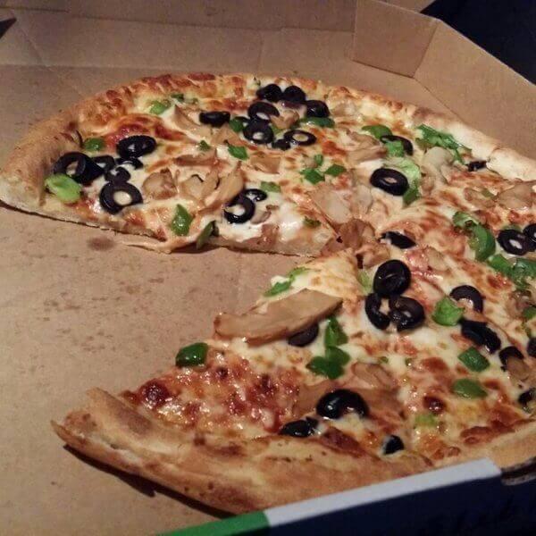 بيتزا التونه