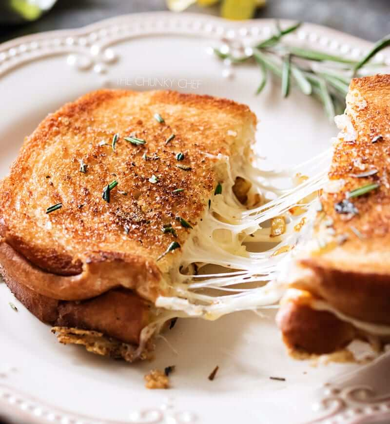 Toast Cheese with Thyme