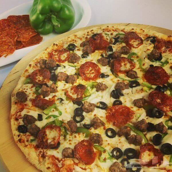 بيتزا هوت دوغ