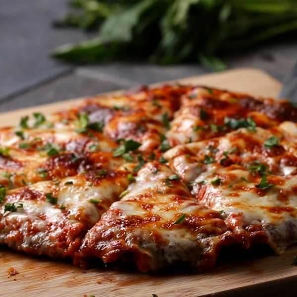 بيتزا نقانق