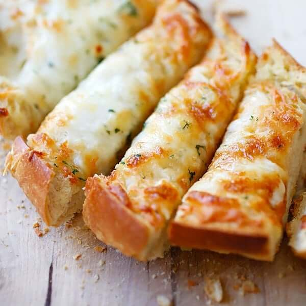Crispy Cheesy Garlic Bread