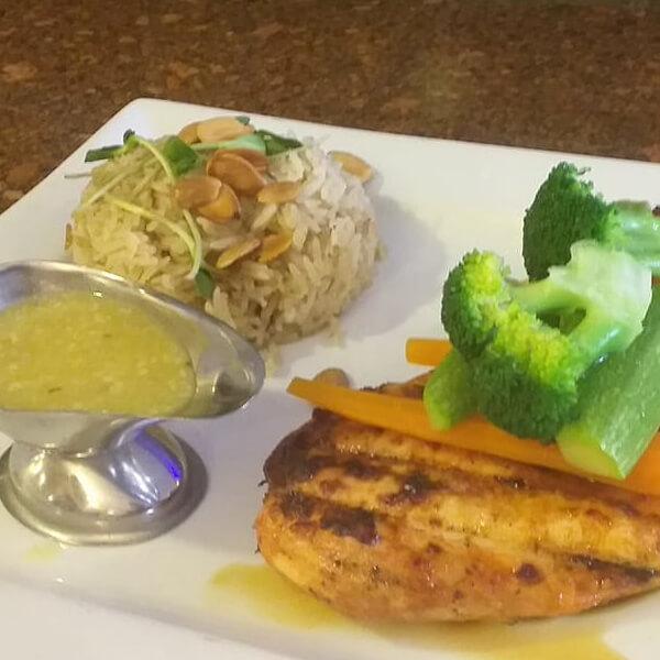 Salmon with garlic and lemon