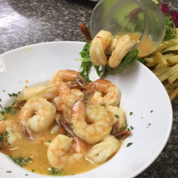 Shrimps with garlic and sour