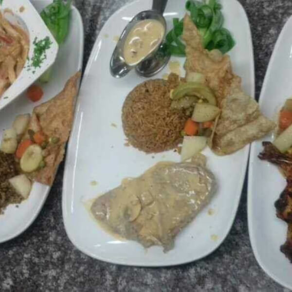 Steak Filet with Pepper Sauce + Rice + Vegetables