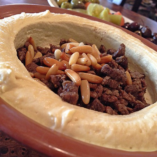 Hommos with meat Meal