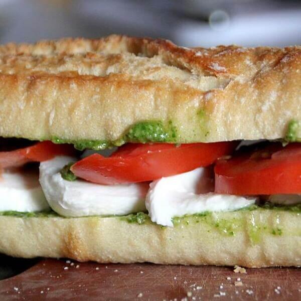 Chicken Sandwich With Pesto