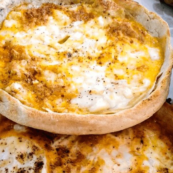 جبنة بيضاء  مع بيض