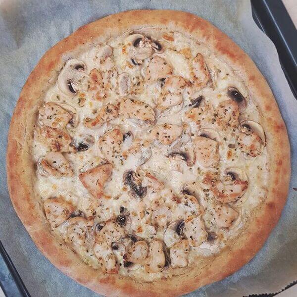 بيتزا دجاج الفريدو