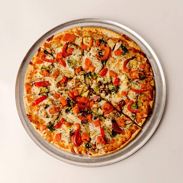 بيتزا خضار مع دجاج