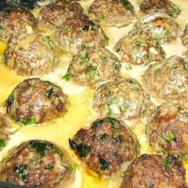 Kofta with tahini or tomato