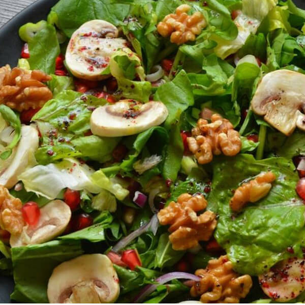 rucola mushroom and nuts salad