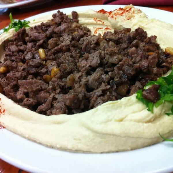 Hummus with Meat
