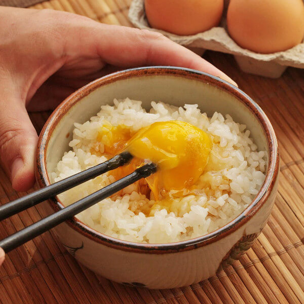 Rice with hot eggs