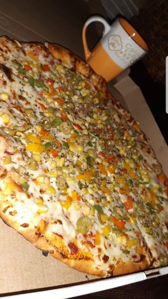 2 بيتزا كبيرخضار+كولا