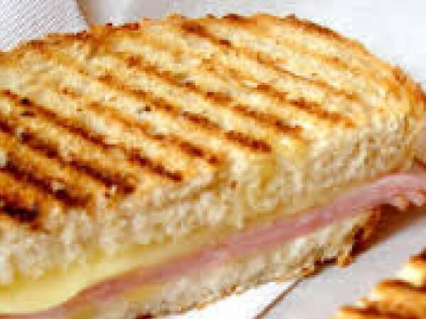 Toast Mix cheese + turkey
