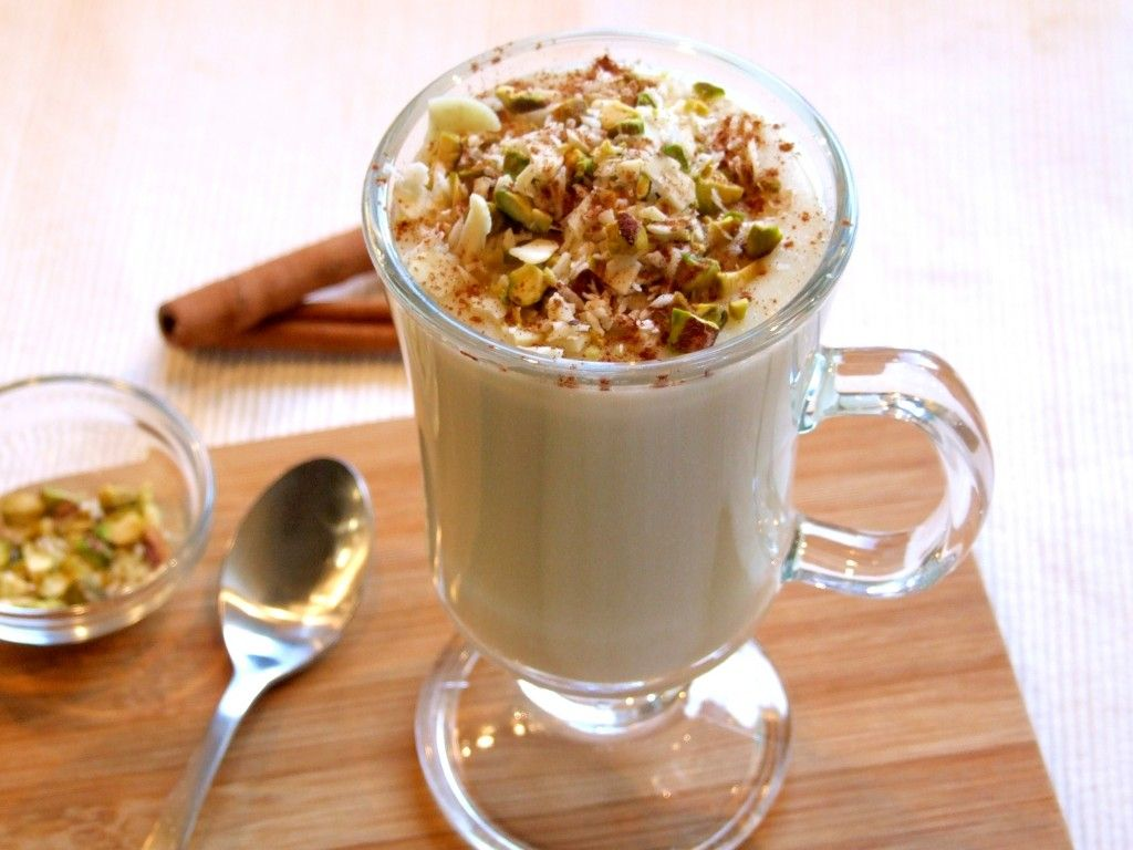 Sahlab with nuts