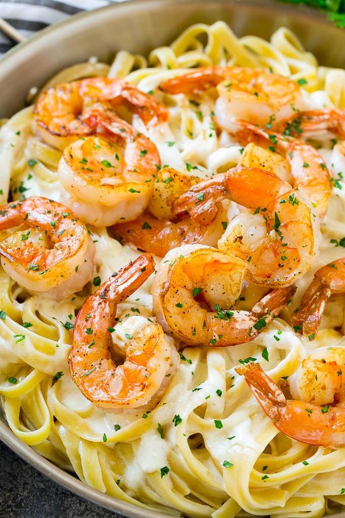 Hot fettuccine alfredo shrimp