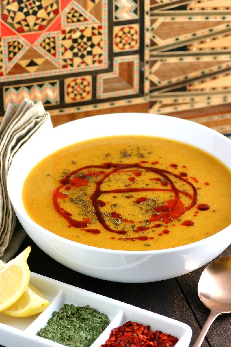 Spicy turkish lentil soup