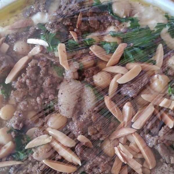 فتة حمص نابلسية مع لحمة طازجة عجل
