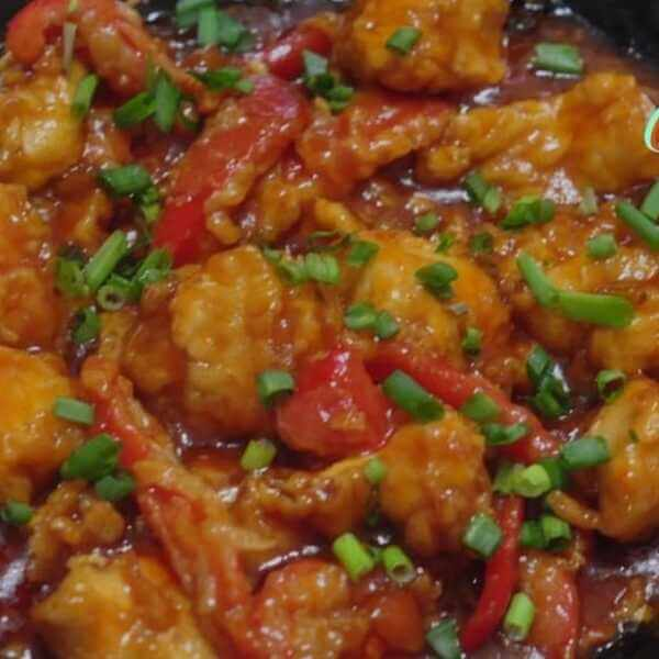 Fish combo (Fried fish pieces - green pepper - onion - sweet and sour sauce special) served with rice or noodles