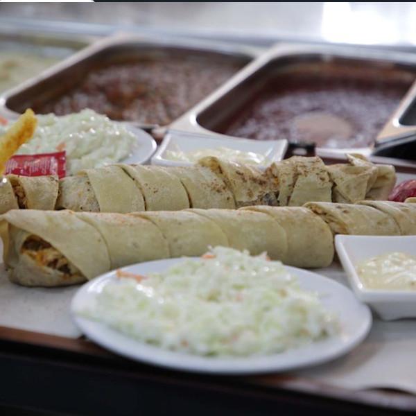 ساندويش شاورما عربي