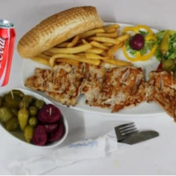 وجبة سمون مع كولا+بطاطا