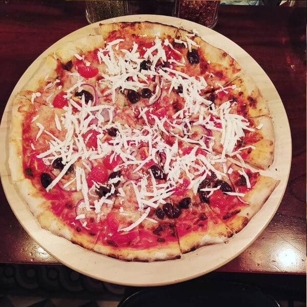 بيتزا زيتون