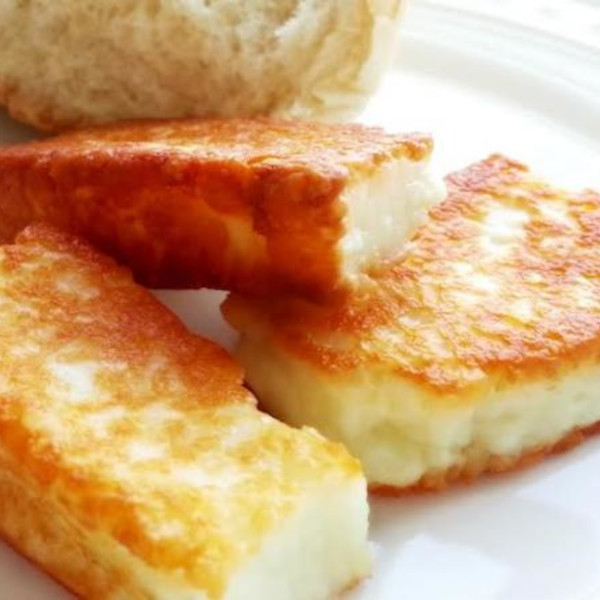 Fried white cheese