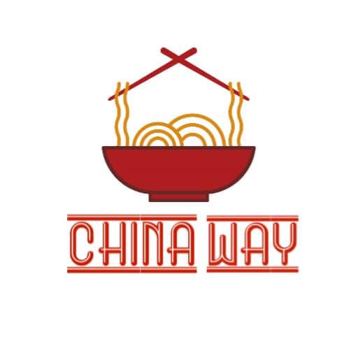 تشيكن منغوليان ( شرائح الدجاج المقلي - بصل اخضر - سمسم - صوص المنغوليان المميز ) يثدم مع الارز او النودلز
